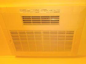暖房機を取り付け冬場も暖かく快適に過ごせるバスルーム