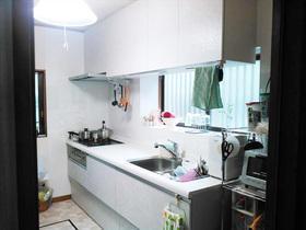 理想のキッチンで毎日が楽しい!機能も充実し明るくなったキッチンスペース