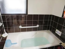 性能性や安全面をアップした、こだわりのタイル張りの浴室