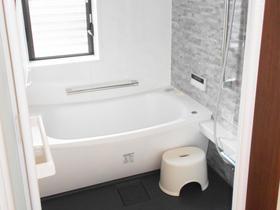 寒さ対策バッチリ!広さを最大限に活かしたデザイン性に優れた浴室