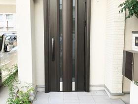 鍵穴廻りに傷がつかない!鍵を使用しない玄関ドア「ピタットKey」