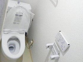 夜間の使用も安心なトイレ増築リフォーム