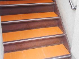 階段の床を貼り替え一新!床を見るのが楽しみに