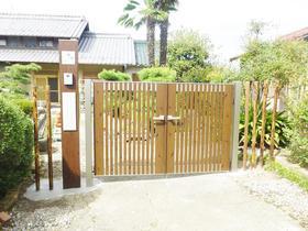 お客様とのコラボで完成!和風建築にぴったりな木目調の門扉