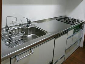 使い勝手のよくなったキッチンと、断熱性の上がった内窓